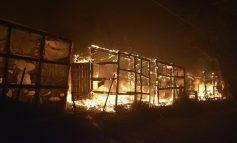 Στις φλόγες η Μόρια: Καίγεται το ΚΥΤ - Στον δρόμο 12.000 μετανάστες