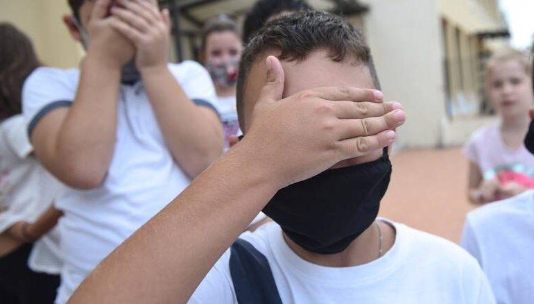 Το φιάσκο με τις μάσκες: Κυβερνο-αυτοδιοικητικός περίγελος εν μέσω πανδημίας
