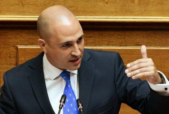 Κ. Μπογδάνος: Ζητά νομοθετική απαγόρευση μπούρκας και νικάμπ