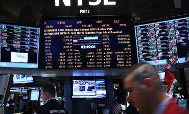 Wall Street: Η Fed χάρισε κέρδη, ο τεχνολογικός κλάδος τα διέγραψε