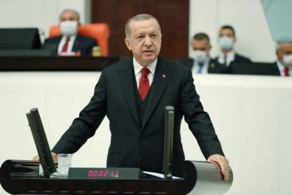 Δημοσίευμα – κόλαφος του Bloomberg: «Ο τυχοδιώκτης Ερντογάν προκαλεί γιατί παραμένει ατιμώρητος»