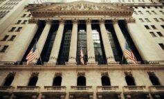 Μακριά από τα υψηλά ημέρας το κλείσιμο της Wall Street
