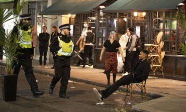 Λονδίνο:  Συλλήψεις μετά το κλείσιμο των παμπ στις 10 το βράδυ
