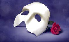"""""""Φάντασμα της όπερας"""" και θεωρία της μάσκας . Γράφει ο Ησαΐας Κωνσταντινίδης"""