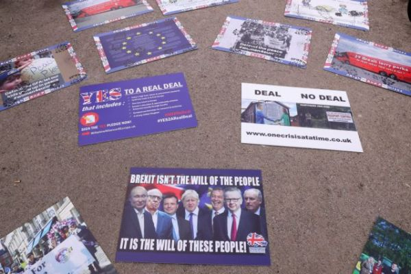 Brexit: Σχέδιο έκτακτης ανάγκης στο θέμα των διαπραγματεύσεων εξετάζει η ΕΕ
