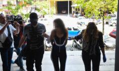 Συνελήφθη ξανά η Θεσσαλονικιά «παρουσιάστρια»: Αντέδρασε σε έλεγχο της ΕΛ.ΑΣ. επειδή δεν φορούσε μάσκα