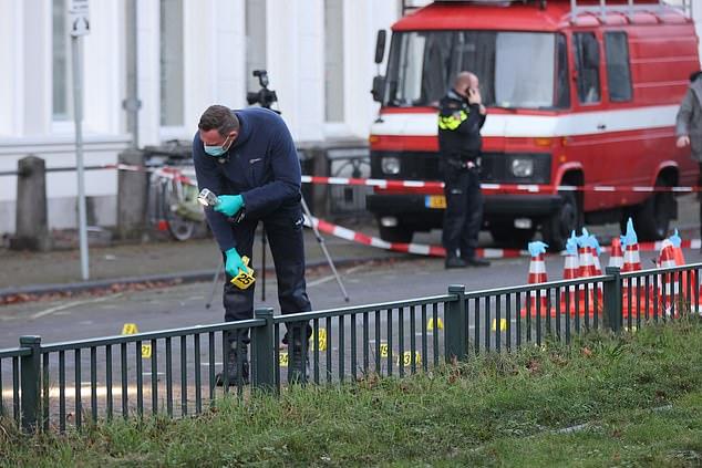 """Ολλανδία: Άγνωστοι """"γάζωσαν"""" την πρεσβεία της Σ.Αραβίας στην Χάγη"""