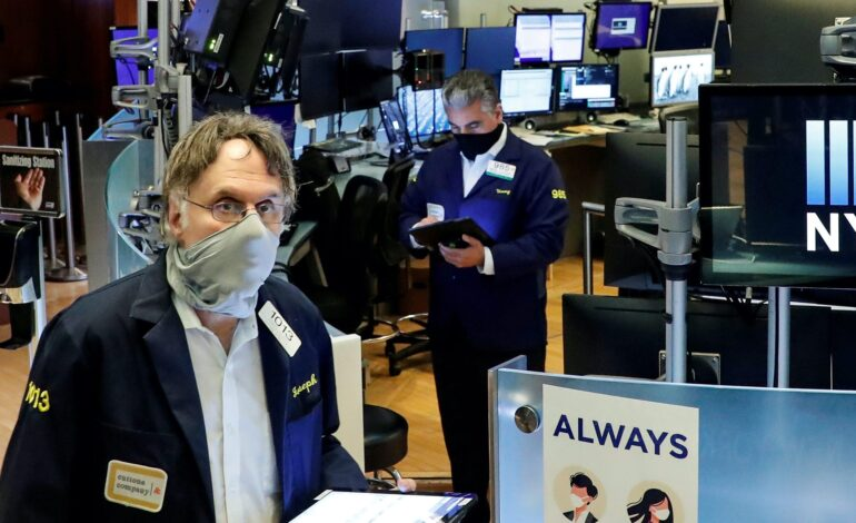 Wall Street: Επανήλθαν δριμύτεροι οι φόβοι για τις επιπτώσεις του κορονοϊού