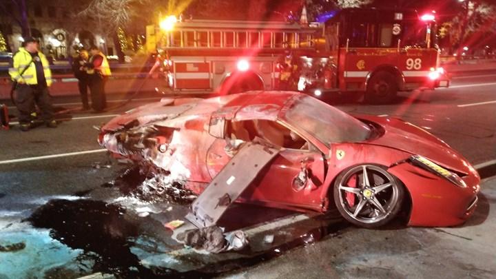 Σικάγο: 22χρονος κατέστρεψε πανάκριβη κόκκινη Ferrari