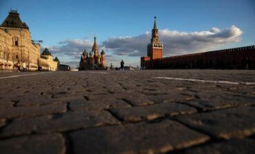 «Νεκρώνει» η Μόσχα για να περιοριστεί ο κορονοϊός