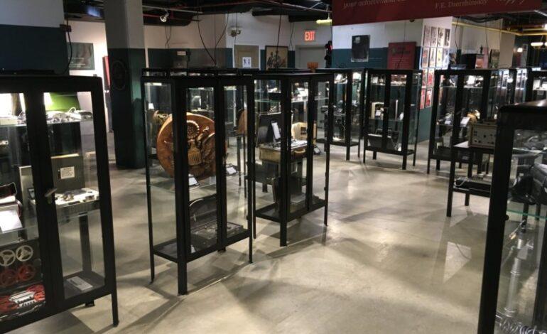Στο σφυρί, όλη η συλλογή του KGB Espionage Museum της Νέας Υόρκης