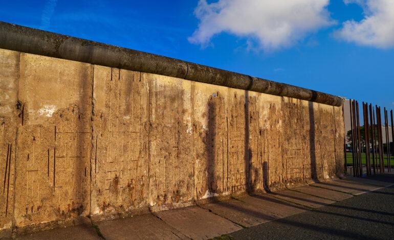 To τείχος και τα σύνορα. Γράφει ο Θάνος Πλεύρης