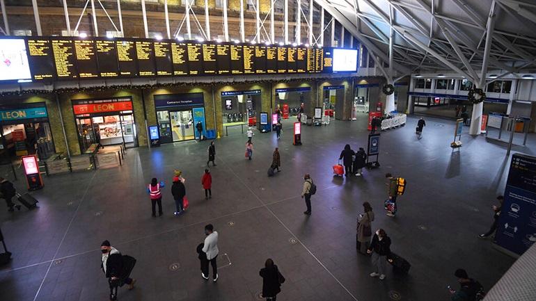 Αναμένεται η αναστολή πτήσεων από Βρετανία προς Ελλάδα –  Έκτακτα μέτρα αποφασίζει και η Ε.Ε.