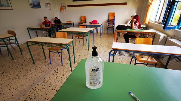 Ο γρίφος των σχολείων: Επιστροφή στα θρανία το 2021 – Νέα συνεδρίαση των λοιμωξιολόγων την επόμενη εβδομάδα