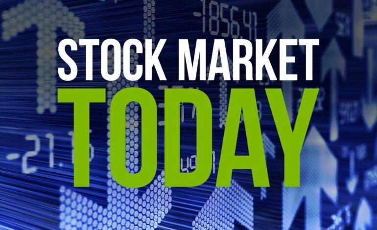Wall: Ήπια κέρδη χάρισαν στον Dow Jones νέο ρεκόρ
