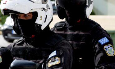 Κηφισιά: Επίθεση κουκουλοφόρων σε αντιπροσωπεία αυτοκινήτων