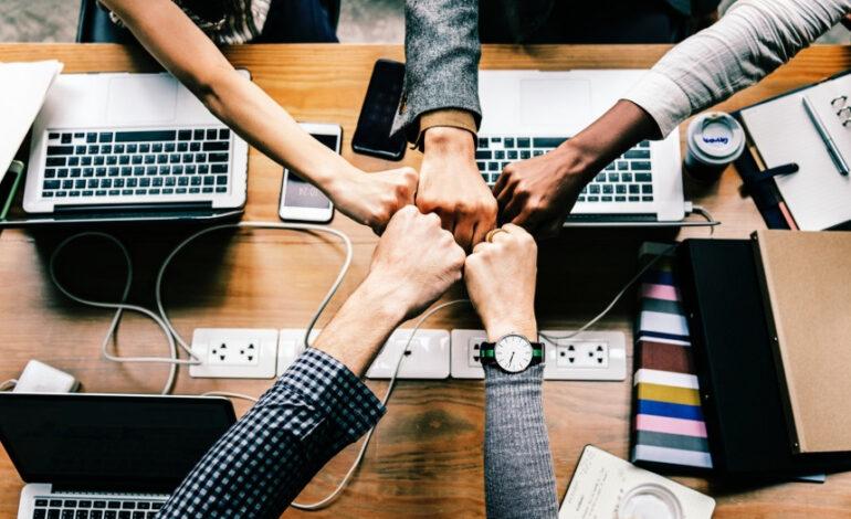 Νέα μέτρα στήριξης επιχειρήσεων και νοικοκυριών τον Ιανουάριο
