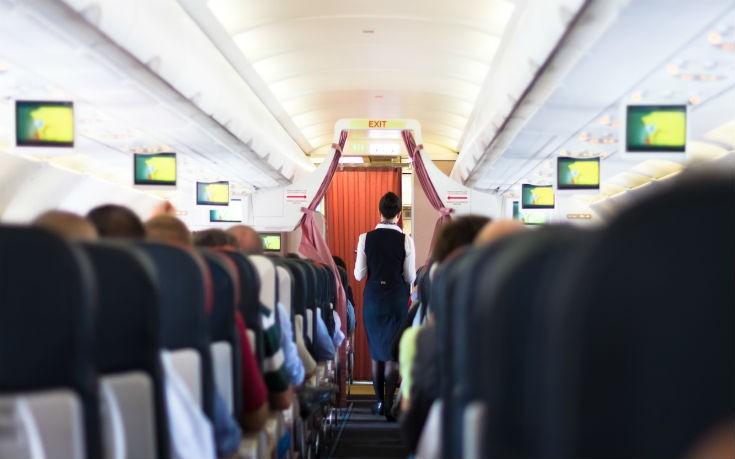 Χάος σε πτήση: Πέθανε επιβάτης με κορονοϊό, αναγκαστική προσγείωση έκανε το αεροσκάφος