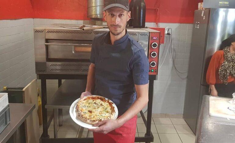 Κατέρριψε ρεκόρ Γκίνες φτιάχνοντας πίτσα με 254 τυριά