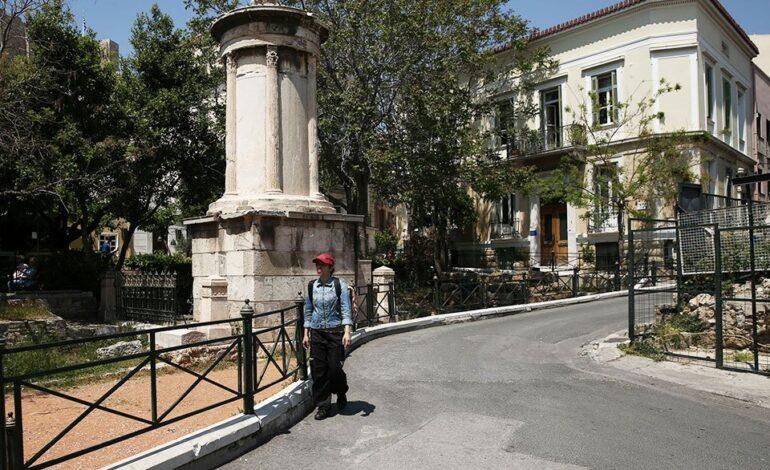 """Τουρισμός: Πόσο """"πλήρωσε"""" η Αθήνα την πανδημία"""