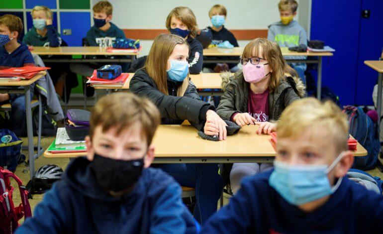 Κλείνουν για δύο εβδομάδες τα δημοτικά σχολεία στο Λονδίνο