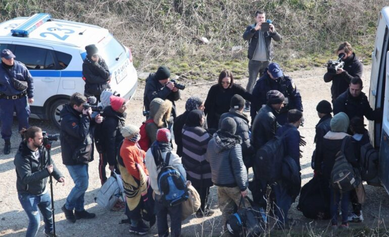 «Βράζει» ο Έβρος για τη δομή μεταναστών – Στα «κάγκελα» κάτοικοι, βουλευτές και εκκλησία