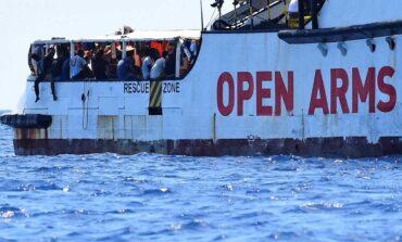 Το Open Arms αναζητεί ασφαλές λιμάνι για 265 ανθρώπους που διέσωσε στη Μεσόγειο