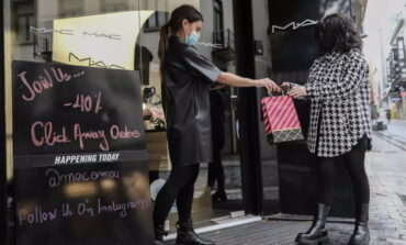 Lockdown: Ανοίγουν τα καταστήματα 11 Ιανουαρίου με click away