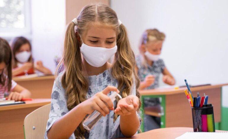 Σήμερα κλειδώνει το άνοιγμα των σχολείων – Στο «κόκκινο» έξι περιοχές της Αττικής – Σκέψεις για αυστηρά τοπικά lockdown