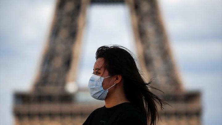 Απαγόρευση της κυκλοφορίας που θα ξεκινάει στις 18:00, επιβάλλει η γαλλική κυβέρνηση
