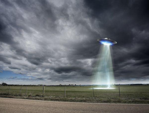 Αμερικανός αξιωματούχος αποκαλύπτει: «Πολλά τα περιστατικά με UFO»