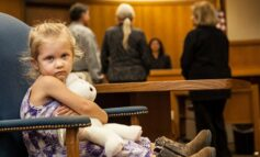 Συνεπιμέλεια: Τα παιδιά χρειάζονται και τους δύο γονείς – Οι 4 αλλαγές στο οικογενειακό δίκαιο