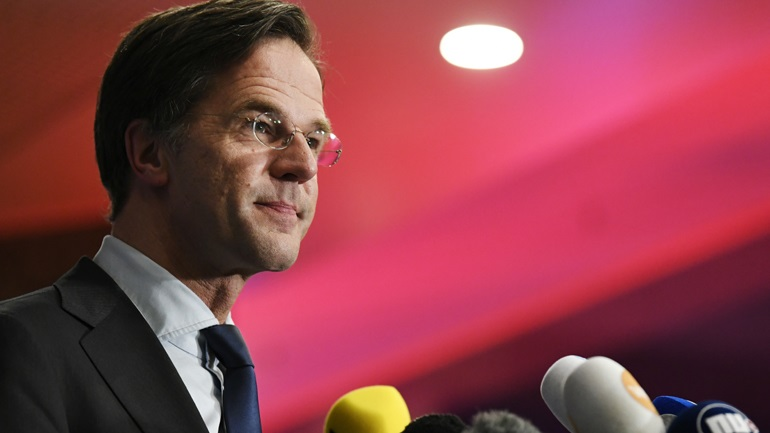 Βουλευτικές εκλογές στην Ολλανδία: Το κεντροδεξιό κόμμα του πρωθυπουργού οδεύει σε νίκη