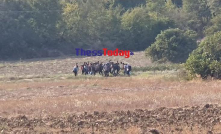 Πύλη εξόδου ξανά η Ειδομένη – Εκατοντάδες πρόσφυγες στα σύνορα με τη Βόρεια Μακεδονία