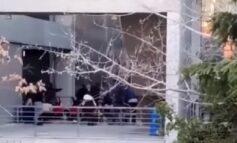 Ο ΕΟΔΥ έδιωξε 4 άτομα μετά το κορονοπάρτι στο Μαρούσι
