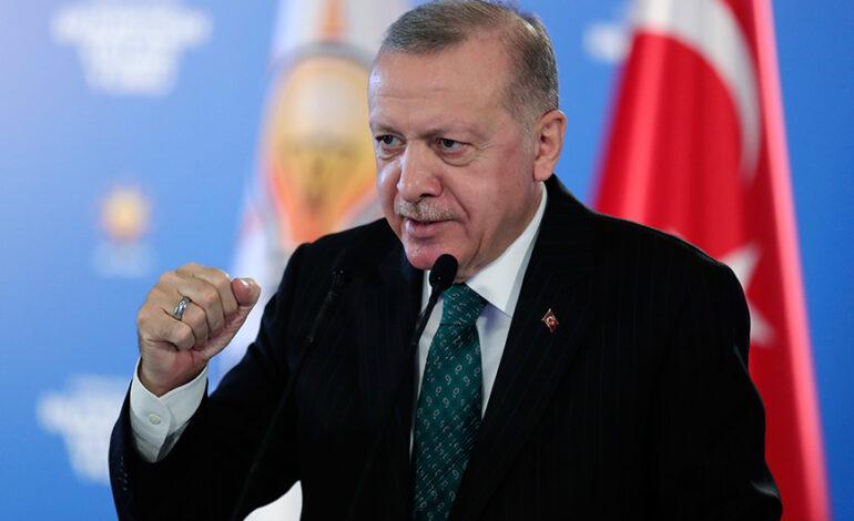 Προκλήσεις Ερντογάν σε εγκαίνια τζαμιού: Απήγγειλε το ποίημα για το οποίο είχε φυλακιστεί το 1998