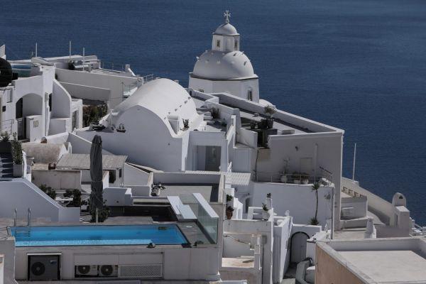 Διακοπές με τηλεργασία θα συνδυάσουν οι τουρίστες στα ελληνικά νησιά