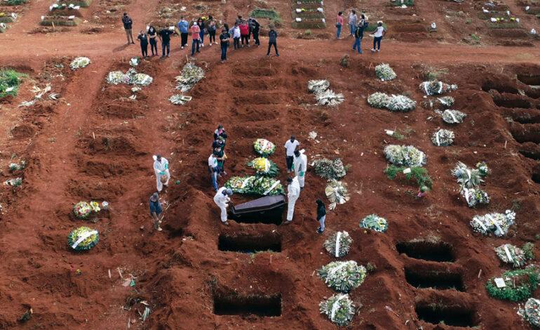 Εκτός ελέγχου ο κορονοϊός στη Βραζιλία, λυγίζει το ΕΣΥ