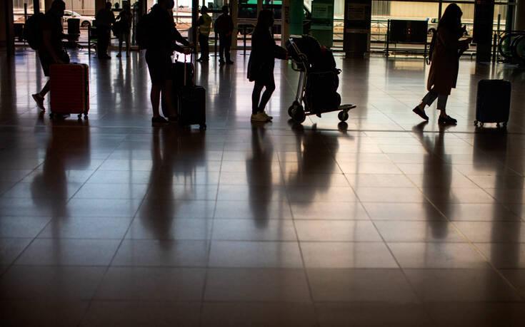 Εννέα στους δέκα Ισπανούς θα χρησιμοποιούσαν ψηφιακά διαβατήρια υγείας για να ταξιδέψουν