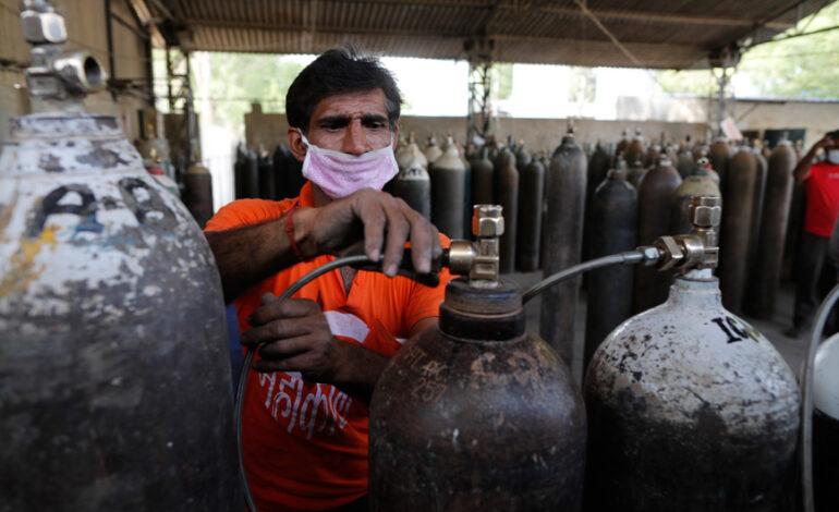 «Οξυγόνο Εξπρές» τρένο για την Ινδία: Φτάνουν ιατρικές προμήθειες, οι νεκροί πλησιάζουν τους 200.000