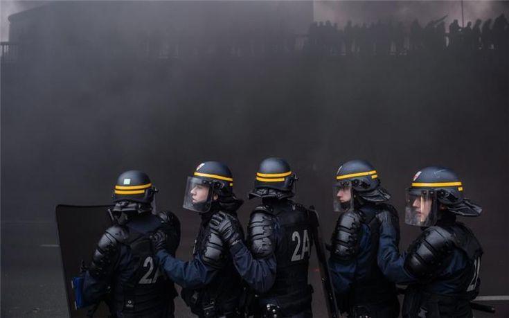 Περνά σήμερα από το γαλλικό Κοινοβούλιο ο αμφιλεγόμενος νόμος για την «καθολική ασφάλεια»