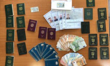 Συνελήφθησαν τρεις  αλλοδαποί για πλαστογραφία εγγράφων
