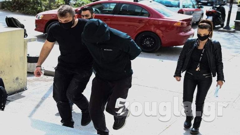 Στην Ευελπίδων ο δράστης που επιτέθηκε με καυστικό υγρό σε 25χρονη έγκυο στην Κυψέλη