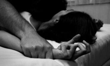 Νέα Σμύρνη: Τη βίασε, την κούρεψε και την έκλεψε παρουσία τεσσάρων ατόμων