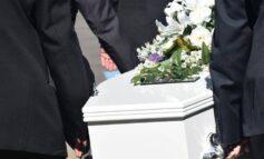 Ηράκλειο Κρήτης: Κόσμος σε κηδεία, θετική στον κορονοϊό η οικογένεια του νεκρού