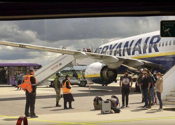 Αεροπειρατεία στη Λευκορωσία: Στη δημοσιότητα ο διάλογος του πιλότου της Ryanair με τον ελεγκτή εναέριας κυκλοφορίας