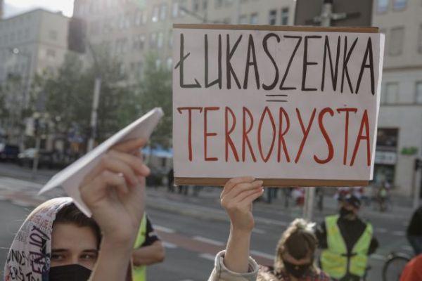 «Βόρεια Κορέα στην καρδιά της Ευρώπης» το σύνθημα διαδήλωσης κατά Λουκασένκο