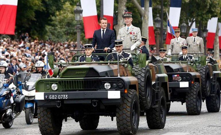 Γαλλία: Στρατηγοί με παντόφλες ονειρεύονται πραξικόπημα