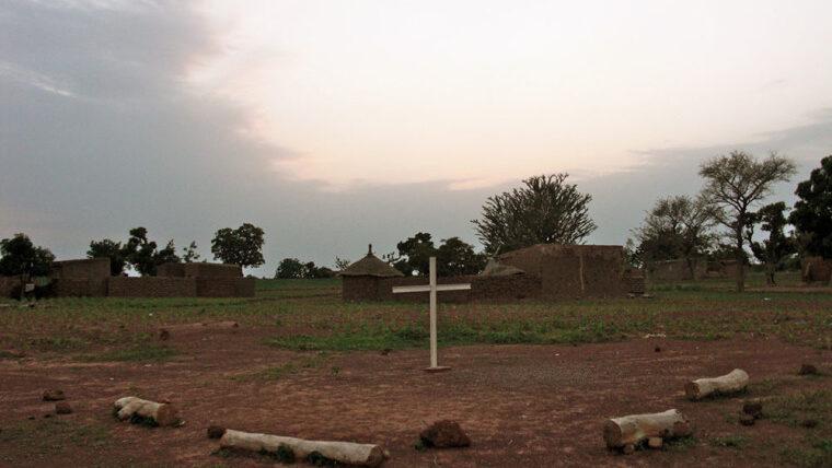 Δεκάδες νεκροί από επίθεση τζιχαντιστών σε χωριό στην Μπουρκίνα Φάσο
