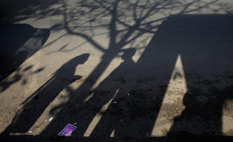 Δικαστική απόφαση προκαλεί αίσθηση: Το «χαμογελαστό» θύμα βιασμού και η αθώωση